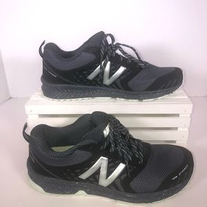 Size 8 New Balance running shoes